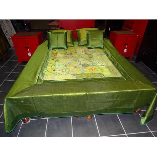 green bed set with patchwork - 2