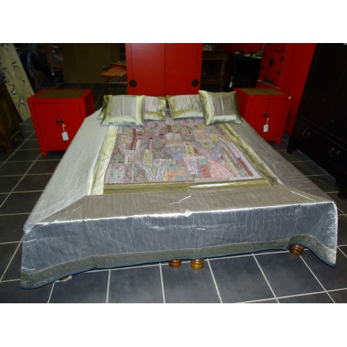 Gray bed set with patchwork