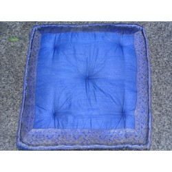 Coussin de sol bords en brocard Bleu