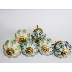 Lot de 6 boutons en porcelaine - Lot 50