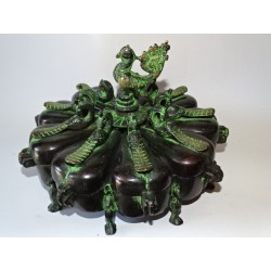 Large make-up box (tika) with bronze peacocks