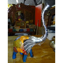 Elephant in metal and wood carved and painted by hand - GM