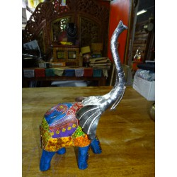 Elephant in metal and wood carved and painted by hand - MM