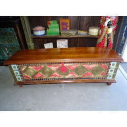 Long painted chest with mango wood cover decorated with brass 146 cm