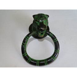 Leopard-shaped bronze handle with black and green patina