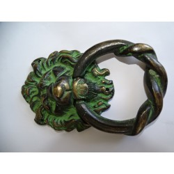 Large bronze handle with lion's head patinated black and green - 15 cm