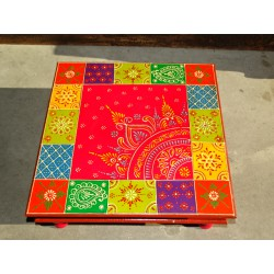 Bazot cushion table 45x45X16 cm with checkerboard and kashmeer pattern