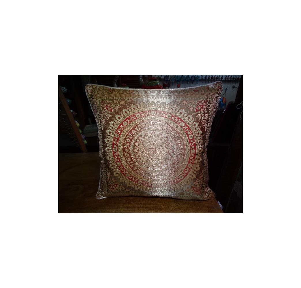 Colonne sculpt e 4 arches meubles indiens anciens et for Meubles 4 moulins